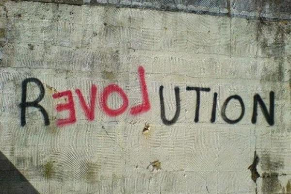Ποια είναι η σπουδαιότερη μορφή επανάστασης; | Νικόλας Σμυρνάκης